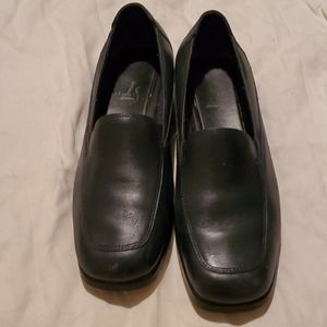 Lifes Stride navy loafers size  7